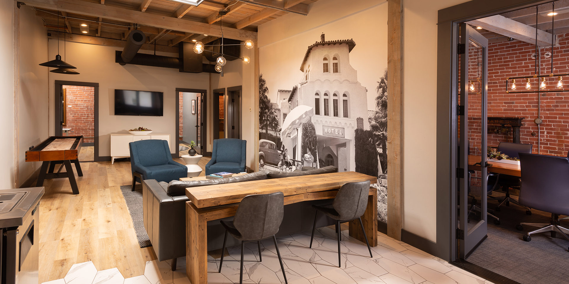 AZUL-South-Office-Seating-Boardroom