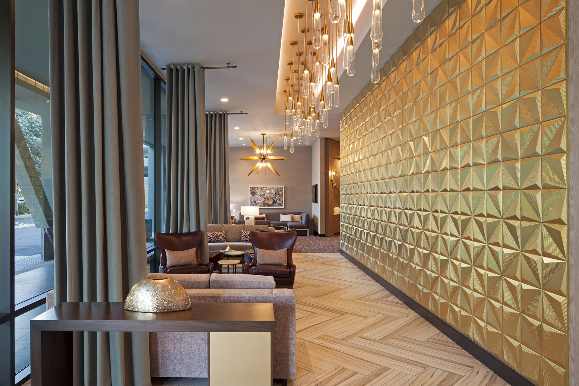H Hotel Los Angeles, Curio Collection by Hilton lobby